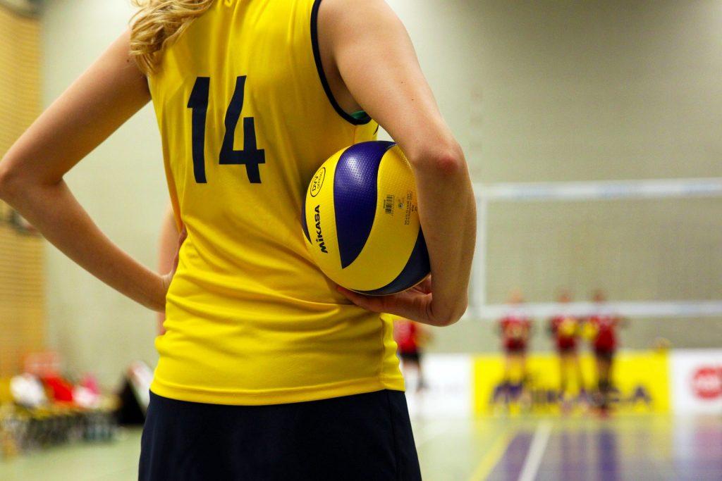 Ikkatram sporta veidam, atkarībā no tā specifikas, ir savas tipiskās traumas. Volejbolā visbiežāk tiek ievainoti pirksti un pleci.